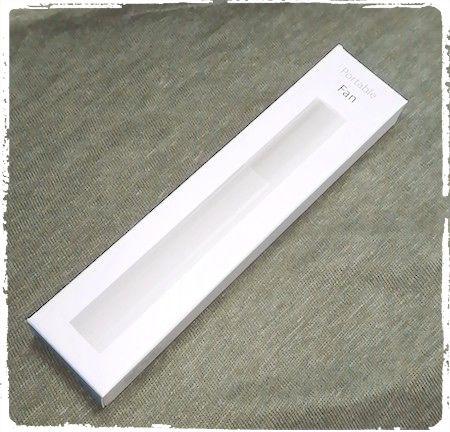 ペン型ポータブル扇風機のパッケージ