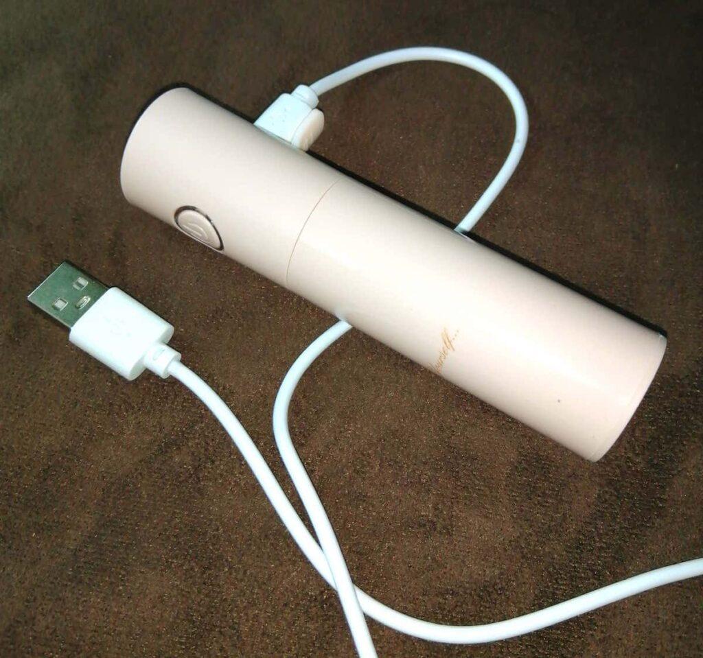 付録の小型超音波式加湿器外観